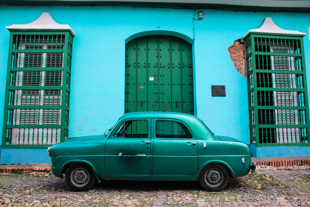 This car in Trinidad matches perfectly with the building behind